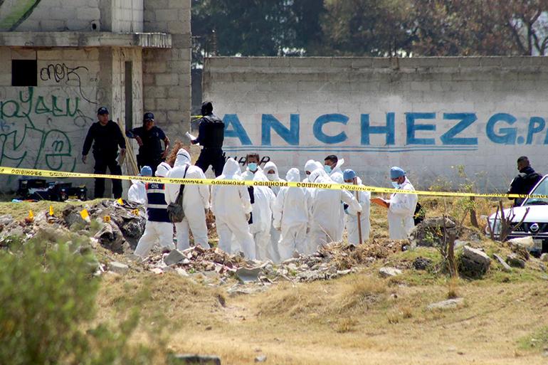 De terror! Encuentran 8 cadáveres entre escombros en Amozoc