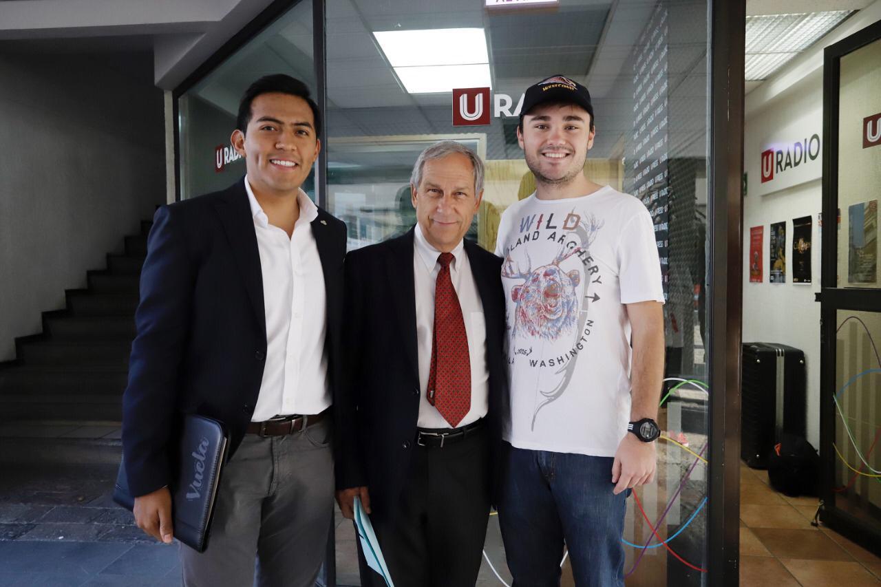 Enrique Cárdenas presentará sus propuestas a universitarios.