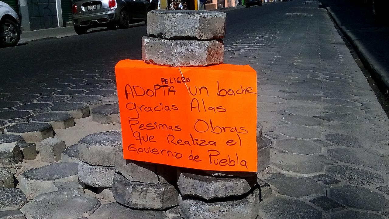 """Implementan """"Adopta un Bache"""" en el centro de Puebla"""