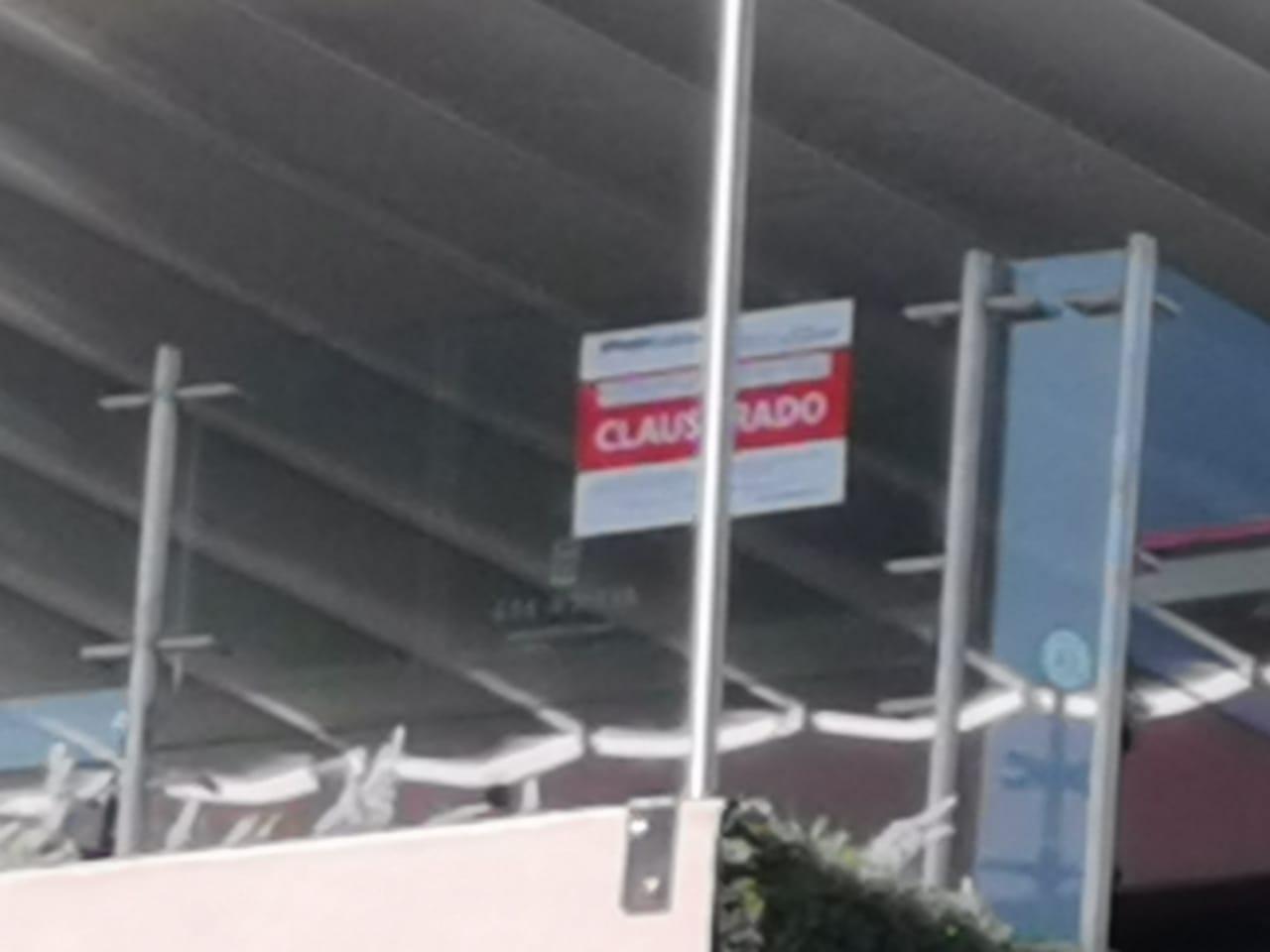 CLAUSURAN TERRAZA EN PLENO CENTRO DE LA CIUDAD