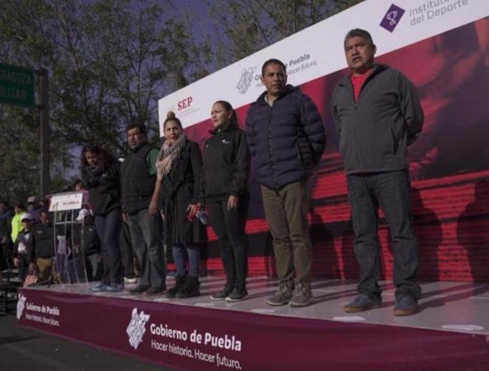REÚNE A 300 ATLETAS COMPETENCIA DE CAMINATA EN PUEBLA