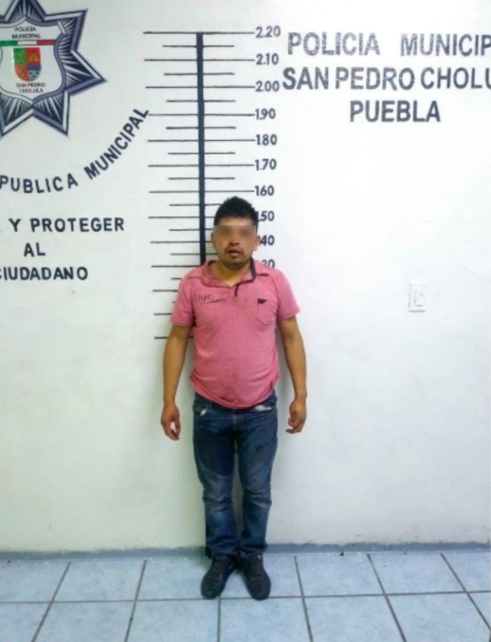 CAPTURA POLICÍA DE SAN PEDRO CHOLULA A PRESUNTO LADRÓN DE CELULAR
