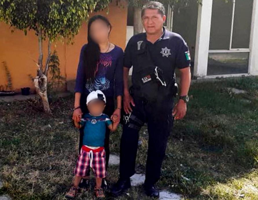 POLICÍA MUNICIPAL DE HUEJOTZINGO REANIMA A BEBÉ Y LO SALVA DE MORIR INTOXICADO CON MONÓXIDO DE CARBONO