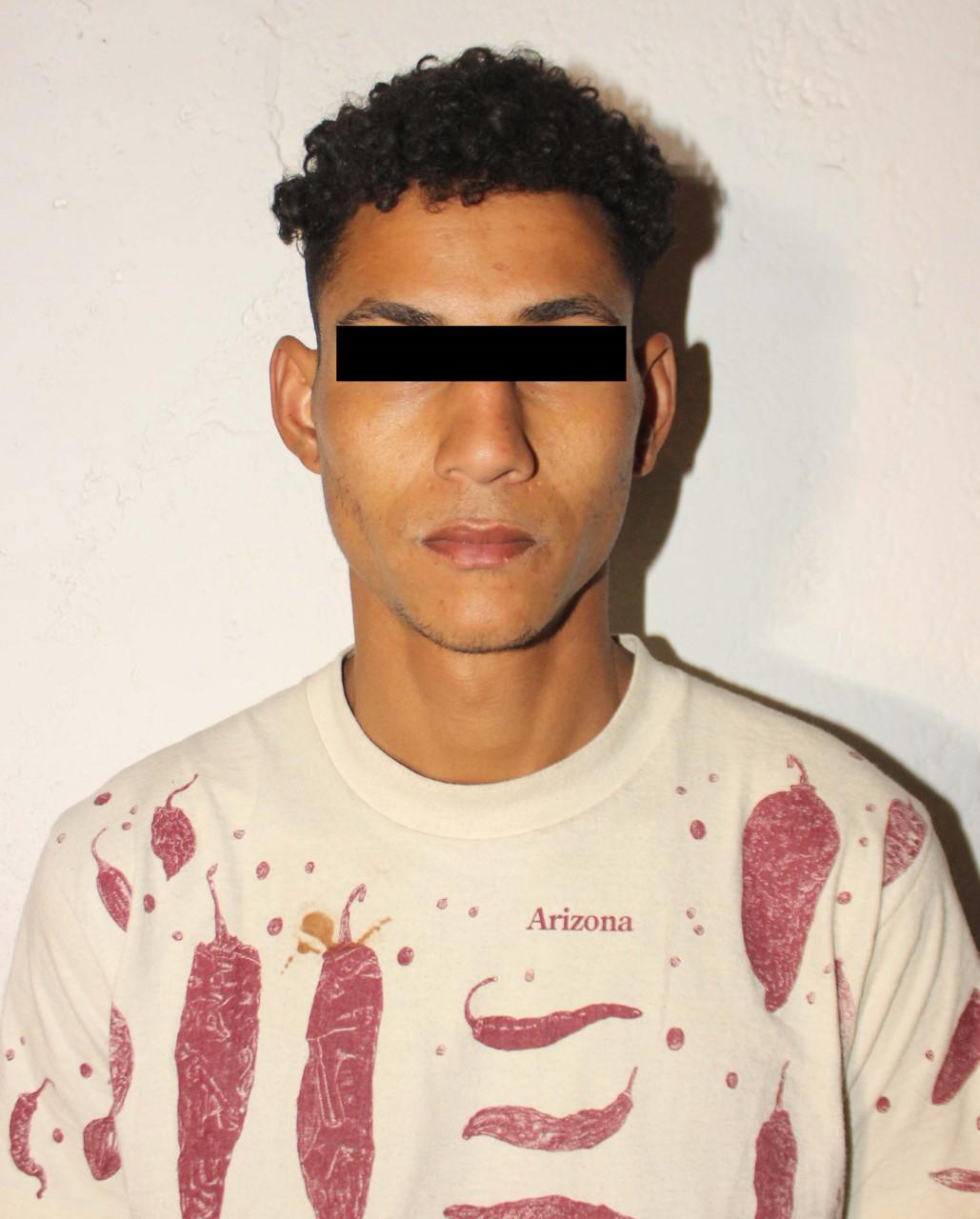 DETUVO POLICÍA MUNICIPAL DE PUEBLA A DOS HOMBRES POR ROBO A SUCURSAL FAMSA
