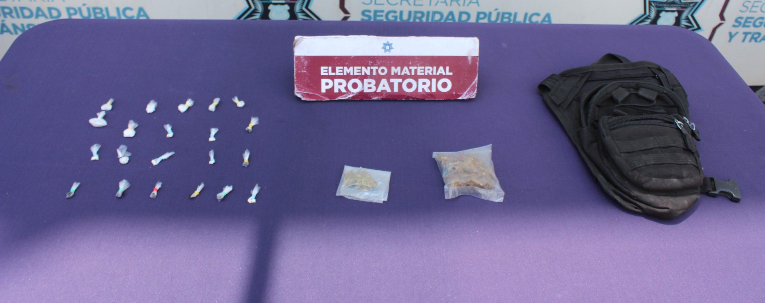 ASEGURÓ SSC DE PUEBLA ALREDEDOR DE 20 DOSIS DE POSIBLE DROGA; HAY UN MENOR DE EDAD DETENIDO