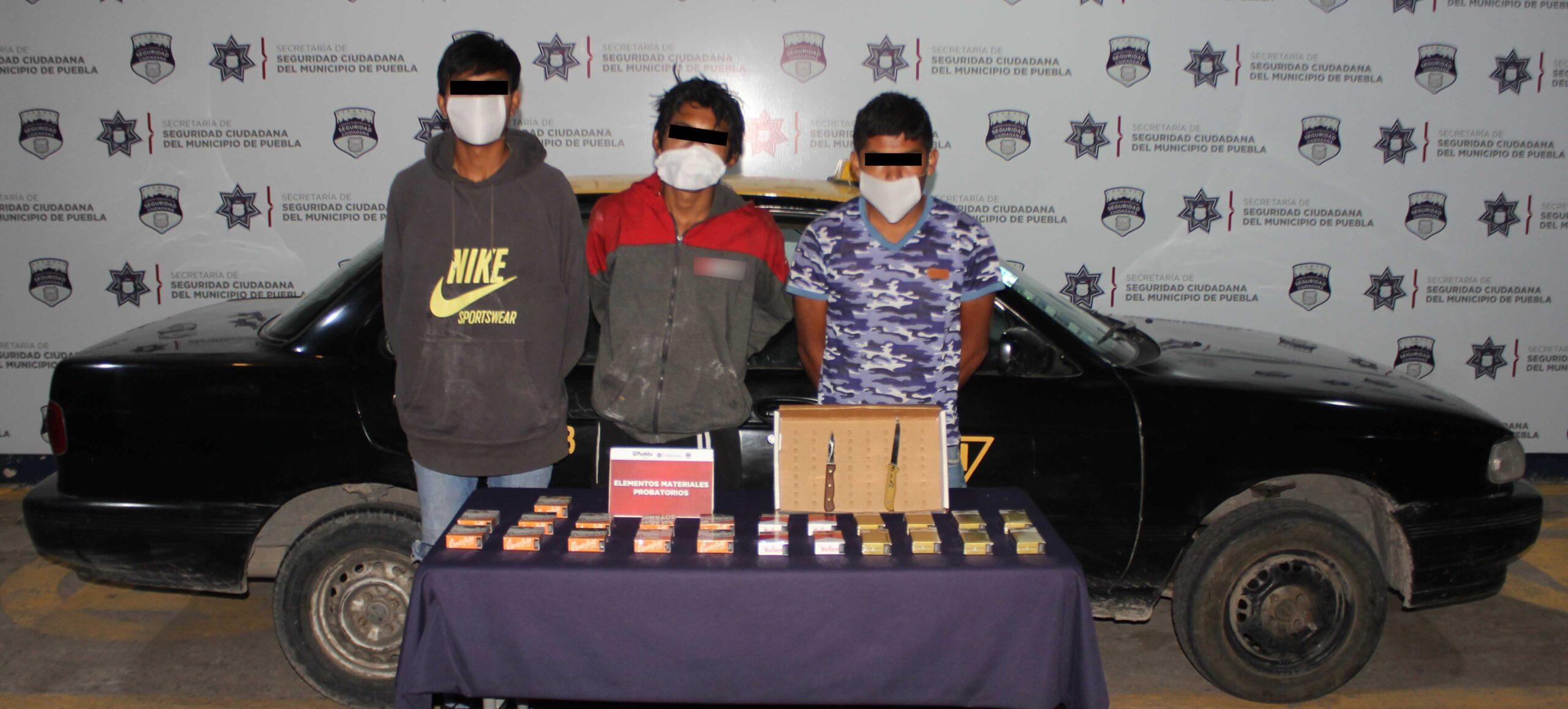 DETUVO POLICÍA MUNICIPAL DE PUEBLA A TRES PROBABLES ASALTANTES DE TIENDAS OXXO