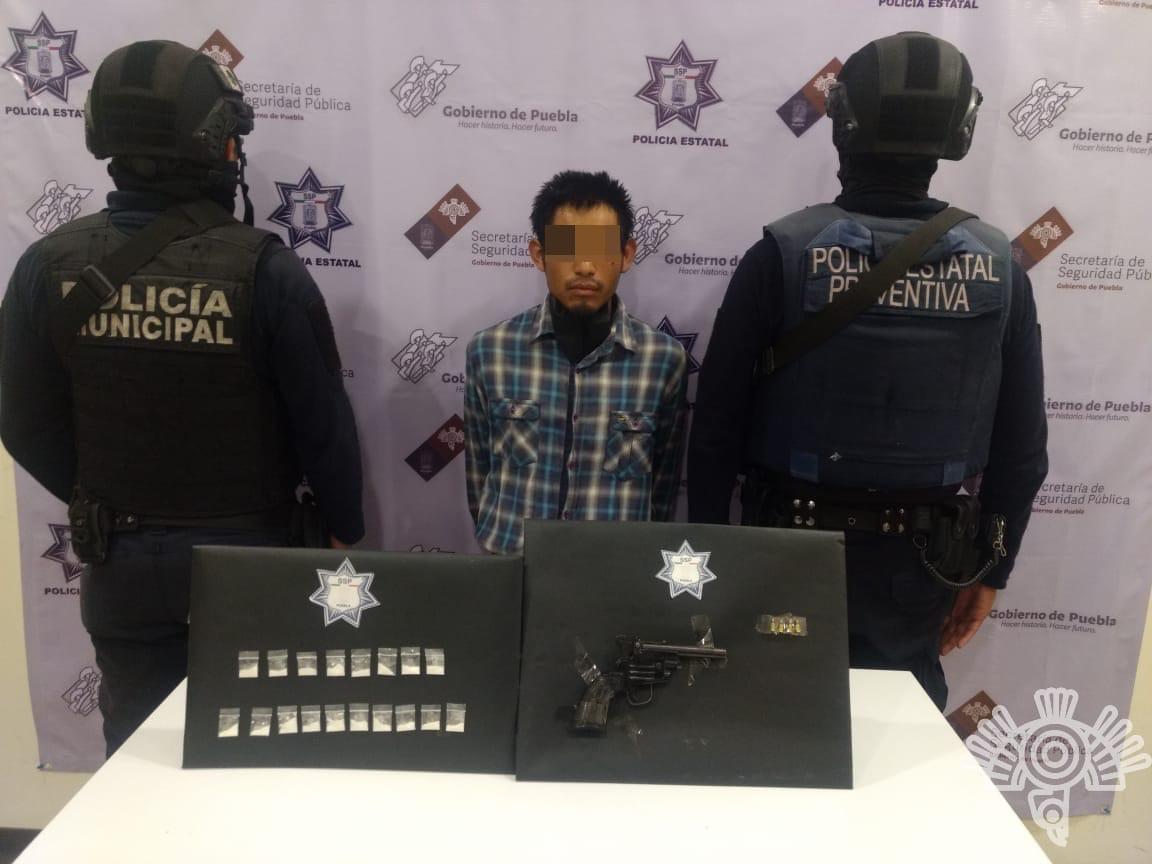COORDINACIÓN ENTRE POLICÍAS ESTATAL Y MUNICIPAL PERMITE CAPTURA DE NARCOMENUDISTA EN TEHUACÁN
