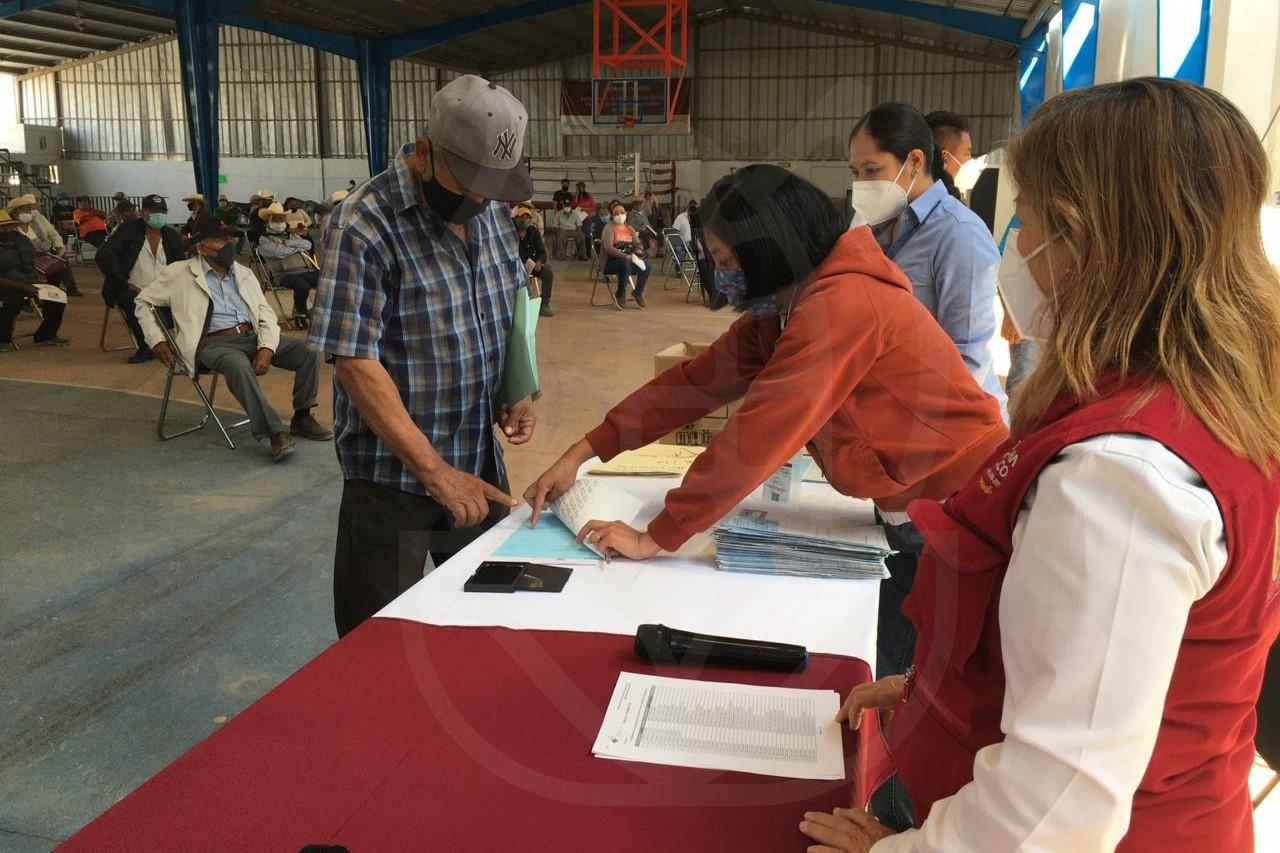 ENTREGA SDR INDEMNIZACIONES A PRODUCTORAS Y PRODUCTORES AFECTADOS POR GRANIZO EN TECAMACHALCO